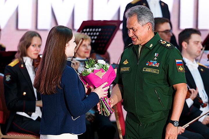 Шойгу поздравил спортсменов ЦСКА, награжденных наОлимпиаде вРио