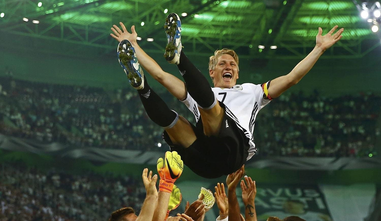 Бастиан Швайнштайгер завершил карьеру всборной Германии