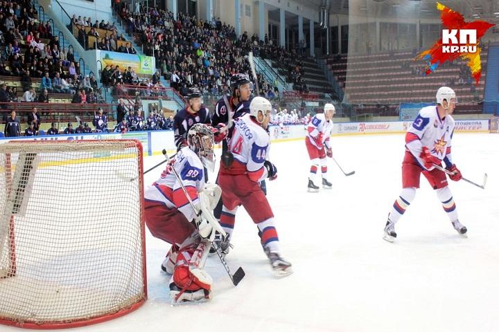 Хоккейный «Кристалл» стартовал вчемпионате ВХЛ споражения от«Ижстали»