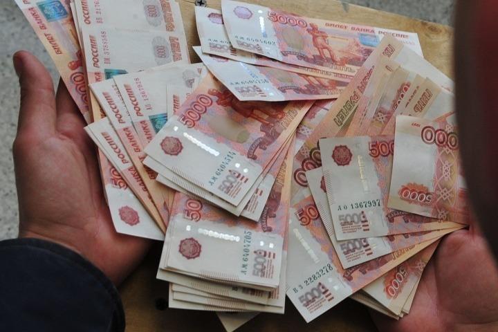 ВПетербурге преступники банка вынесли деньги итревожные кнопки