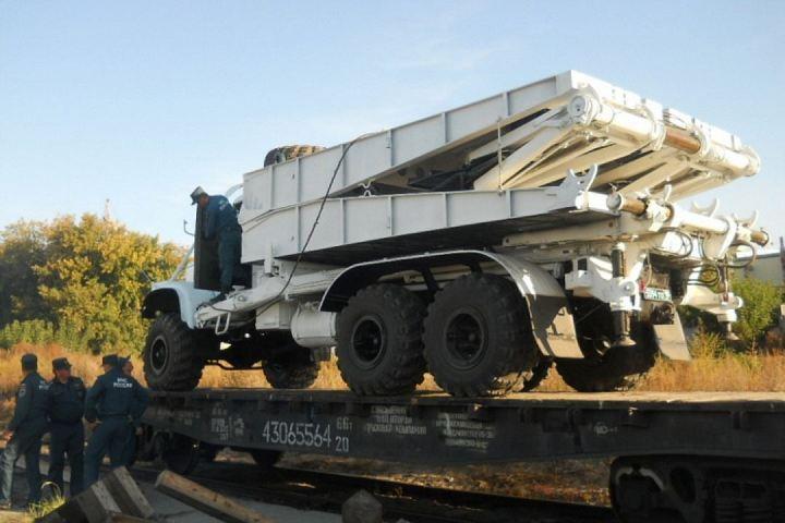 Cотрудники экстренных служб доставили вПриморье 1-ый механизированный мост