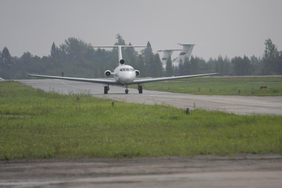 Ваэропорту Пскова самолет выкатился запределы ВПП