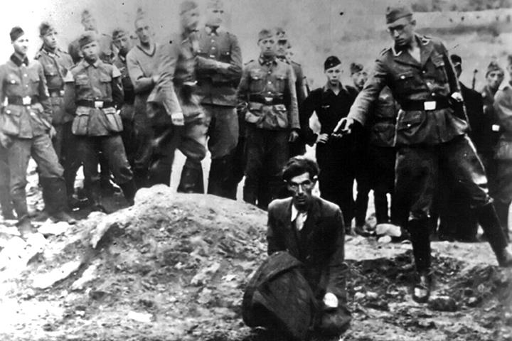 Европейцы только недавно стали для себя открывать, что Холокост был не только в Европе, но и на территории СССР