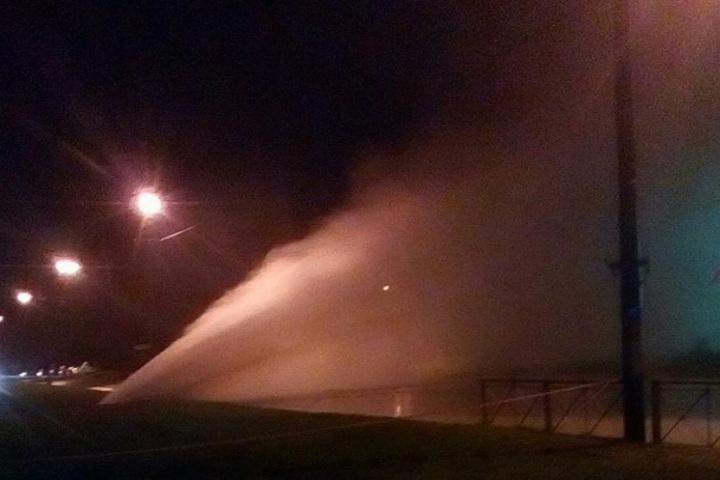 ВРыбацком вПетербурге ночью был фонтан горячей воды