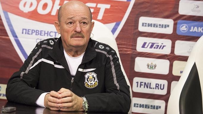 Тюменский футбольный тренер всписке претендентов название лучшего наставника ФНЛ