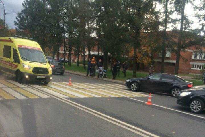 Мотоциклист сбил женщину с сыном напроспекте Тореза