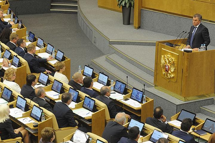 Перед началом работы сессии фракции делились планами и настроем.