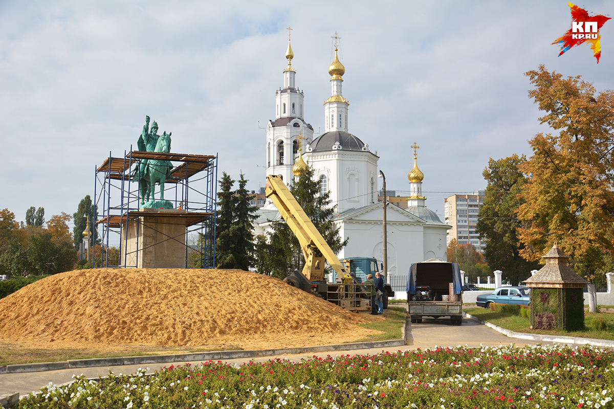 Монумент  царю-основателю откроют вполдень 14октября