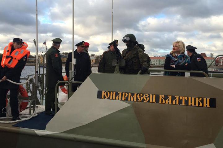 Церемония прошла В Санкт-Петербурге, у набережной Невы на Сенатской площади Фото: Минобороны РФ