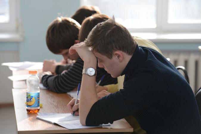 В 2007 году в Молдове было 1444 школы. В 2015 г., из-за ликвидации малочисленных школ в селах, их осталось 1268.