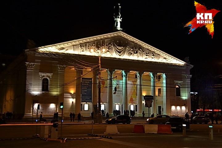 Хор театра оперы ибалета начал забастовку