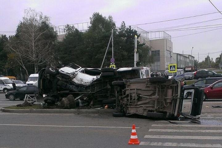 Погоня заавтомобилем вСтаврополе завершилась ДТП с 2-мя погибшими