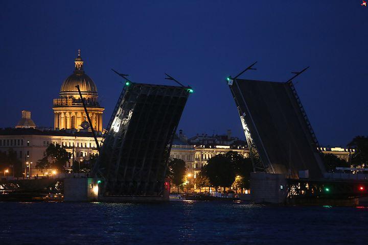 Если в Петербург рано придут зимние холода, то и мосты отправятся «в отпуск» раньше положенного срока