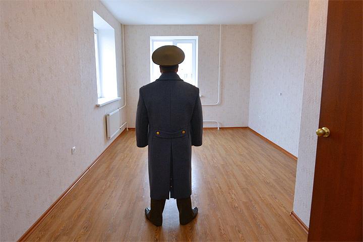 Военные, которым еще только предстоит получить жилье, денно и нощно молятся, чтобы родители или другие родственники, не дай бог, не завещали им даже кусок своего жилья.