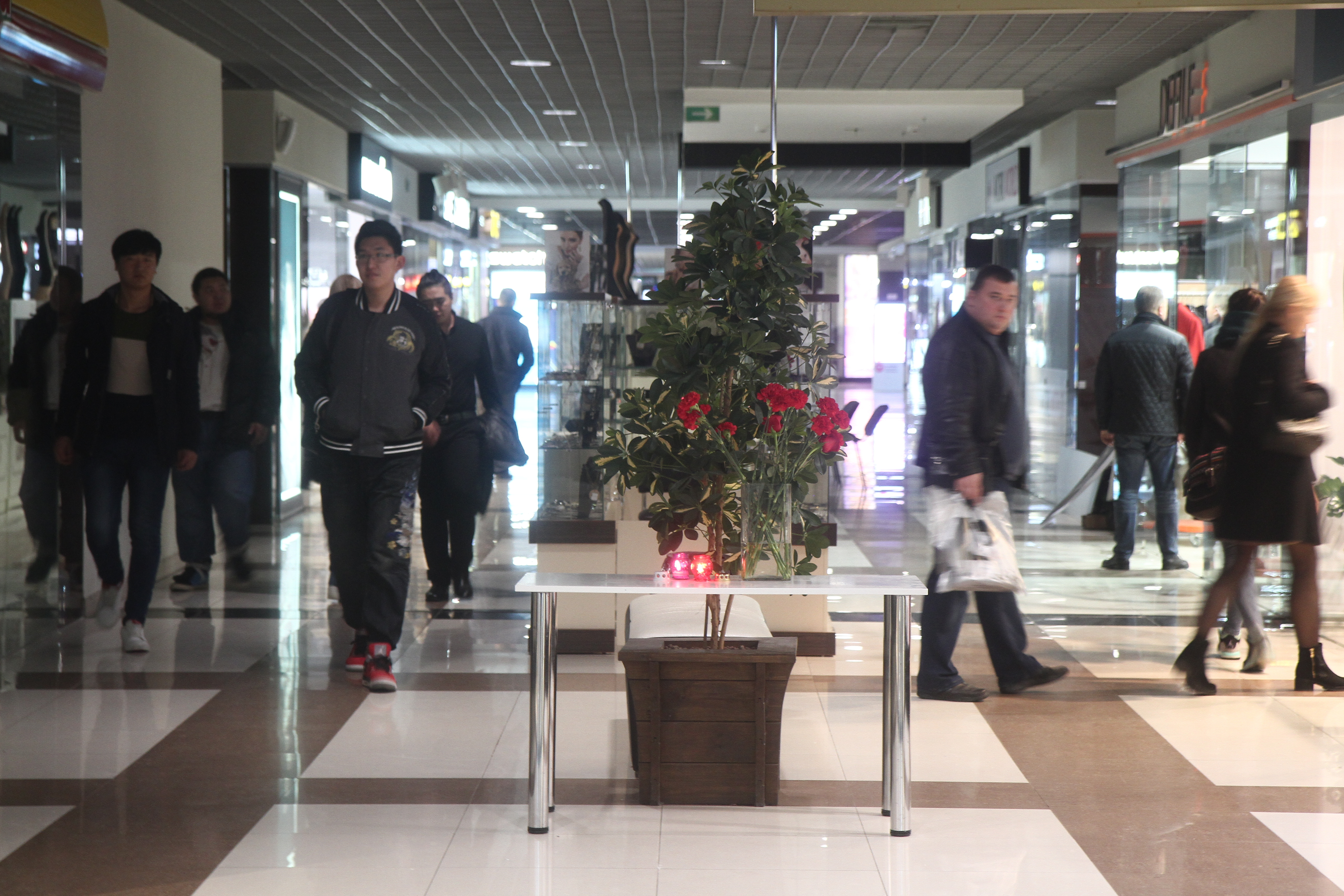 """На минчанку Оксану подросток напал в кафе ТЦ """"Европа"""". Женщине чудом удалось выжить. Фото: Мария РОЛЬСКИТЕ"""