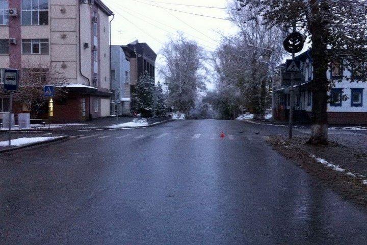 ВАЗ-21074 сбил девушку наИркутском тракте вТомске