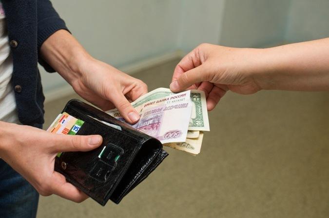 Натаможенника вКольцово завели уголовку завзятки