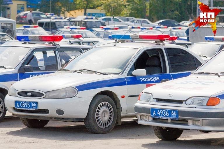 НаГаккелевской улице нетрезвый  нарушитель врезался вмашину милиции