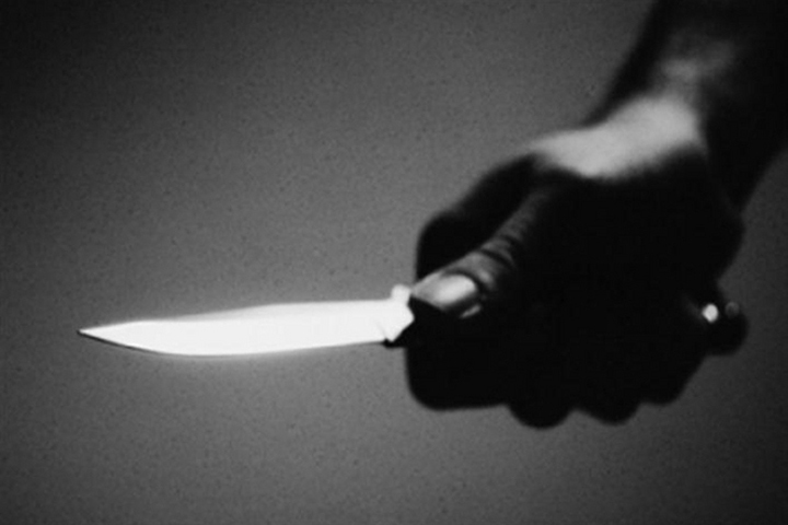 Подросток зарезал ножом учительницу белорусского языка.