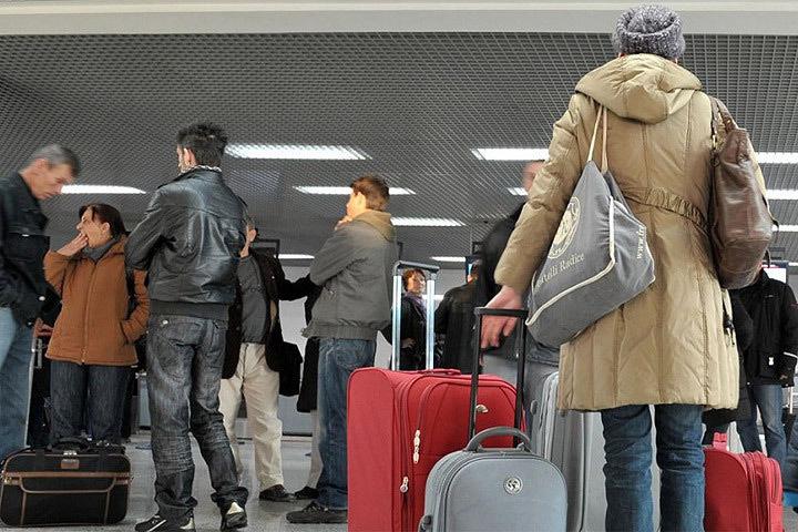 Люди уезжают из Эстонии из-за замедленного экономического развития страны и низких зарплат. Фото: с сайта oxu.az