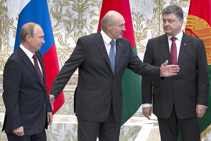 """С момента подписания """"Минских соглашений"""" прошло уже два года, но многие пункты документа не выполнены до сих пор."""