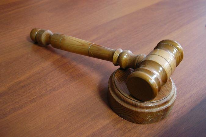 ВБурятии осудили женщину, вонзившую ручку вглаз полицейскому