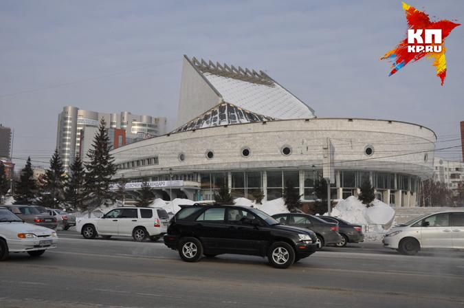 Театр «Глобус» объявил сбор бесполезных книжек вНовосибирске