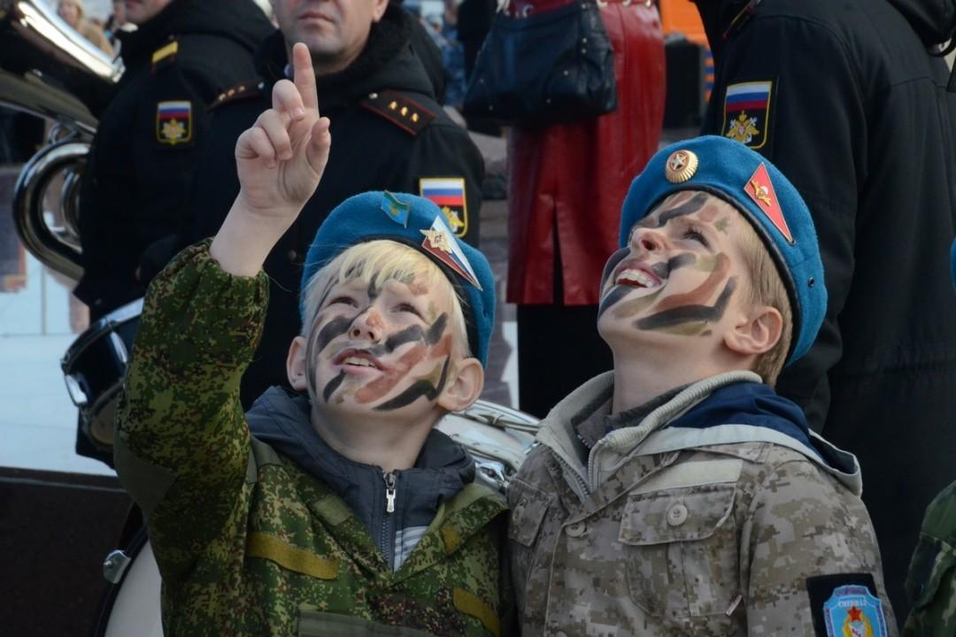 Неменее тысячи севастопольских школьников вступили вряды «Юнармии»