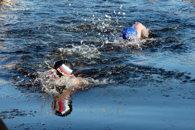 Натюменской набережной состоится массовый заплыв моржей сфлагами
