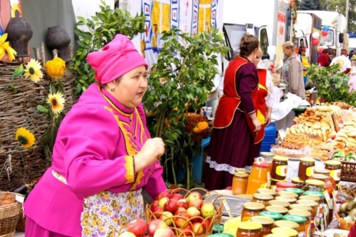 Торжественная выставка-ярмарка «Дары родного края» открылась вВолгограде
