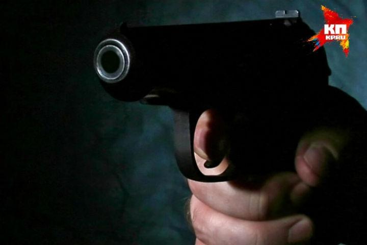 Мужчина устроил стрельбу после конфликта надороге вПетербурге