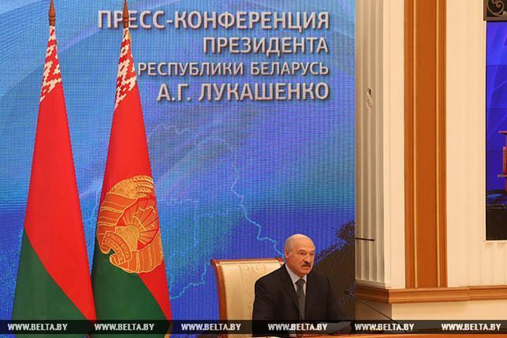 Лукашенко общался с российскими журналистами больше 5 часов. Фото: БелТА