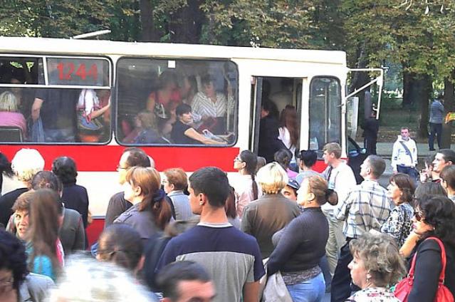 Перекрыто дорожное движение на улице Тудор Владимиреску в пригороде Дурлешты.