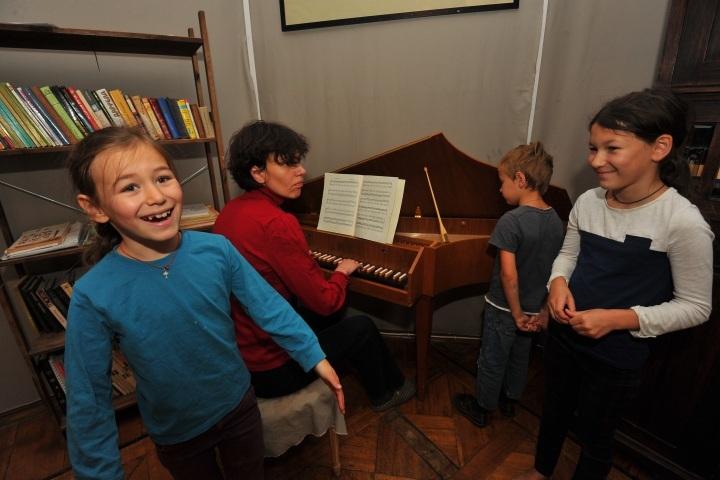 Педагоги надеются, что новшество поможет детишкам из малоимущих семей раскрыть свои таланты.