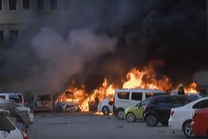 Бомба была заложена в автомобиле, припаркованном неподалеку от резиденции губернатора