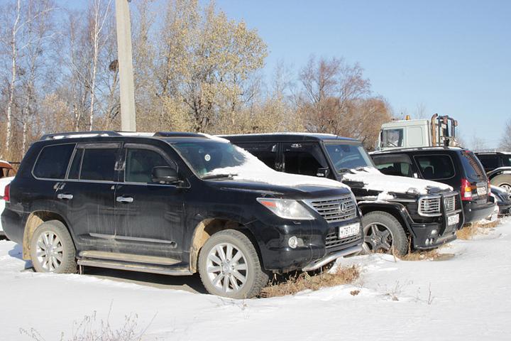 Почти полсотни «забытых» автомобилей скопилось на арестплощадке в Хабаровске