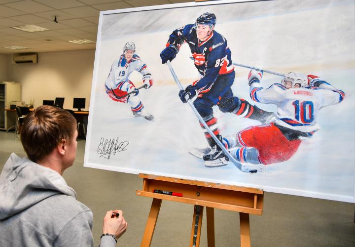 Картины сизображением хоккеистов «Авангарда» продали нааукционе за316 тыс.