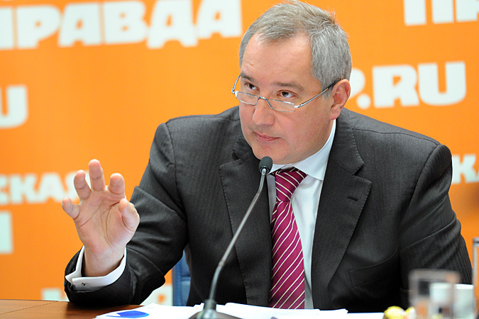 Дмитрий Рогозин уточнил, что ряд актуальных вопросов повестки дня сознательно оставлен для обсуждения с главой республики.