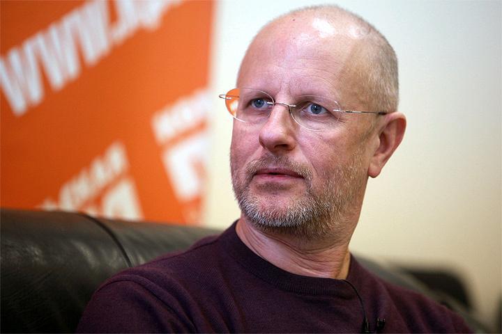 Популярный кинокритик Дмитрий Пучков (Гоблин) сам помогал собирать деньги на «28 панфиловцев»