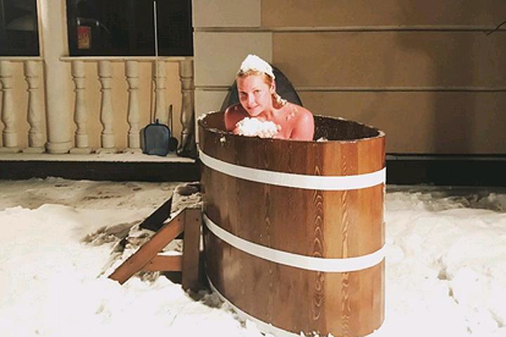 смотреть видео ванна молодость только голышом