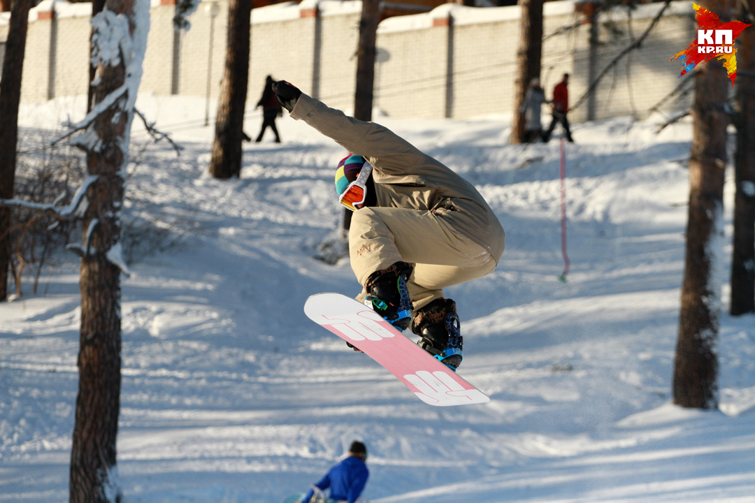 Сноубордист сАлтая разбился вШерегеше
