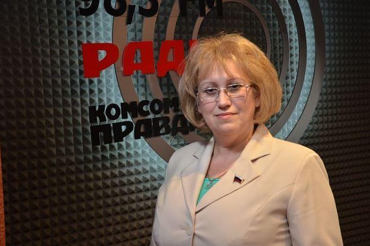 Женщины-депутаты пожаловались назатянувшееся совещание Государственной думы
