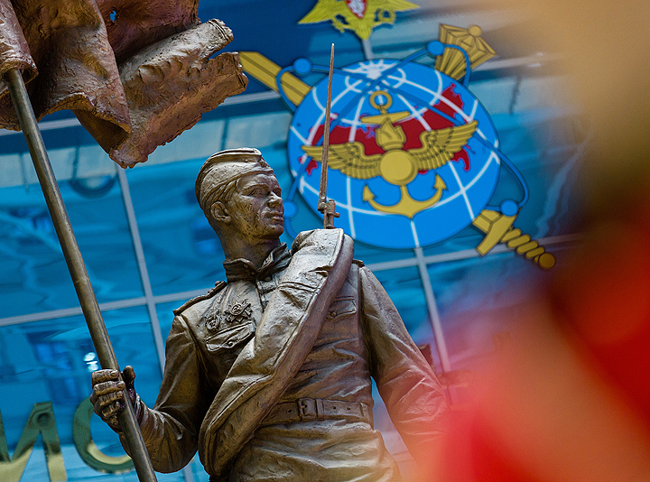 Шойгу открыл монумент «Солдат Победы»