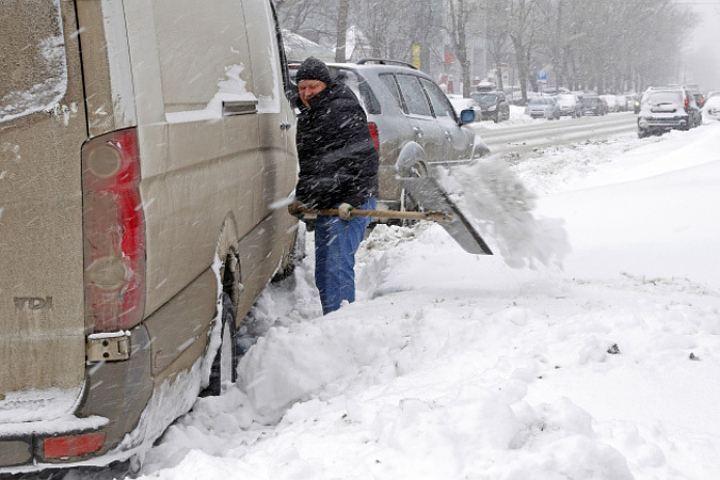 ВРостовской области предполагается метель, мокрый снег сдождем игололед