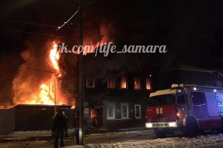 ВСамаре ночью горел личный дом наплощади 250 квадратных метров