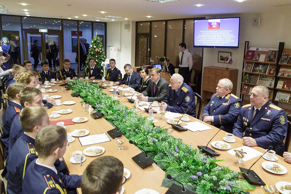 Александр Бастрыкин пообщался с тульскими кадетами. Фото: предоставлено Управлением пресс-службы правительства Тульской области