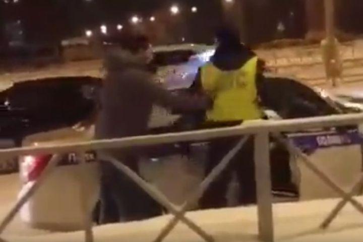 Пермяка, устроившего драку сгаишниками, арестовали надвое суток
