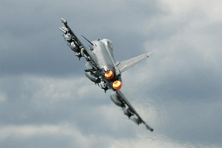 Истребители НАТО отработают бреющие полеты над Эстонией