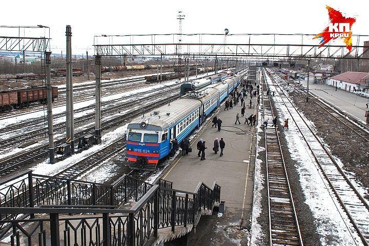 Пассажирский поезд насмерть сбил мужчину вУдмуртии