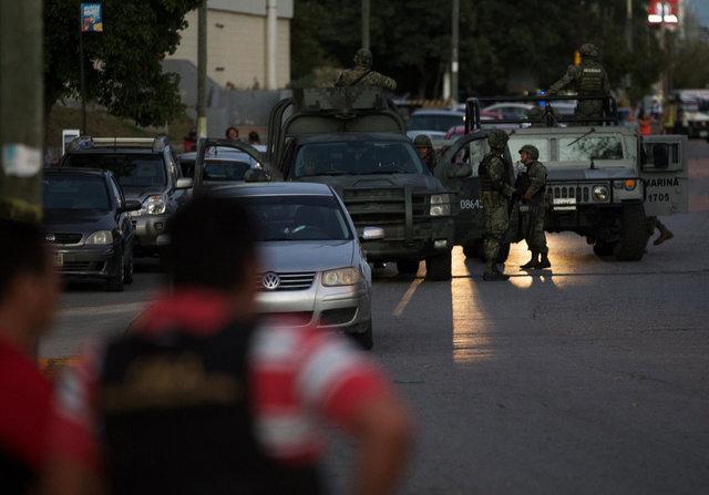 ВМексике неизвестные обстреляли прокуратуру иполицейский участок